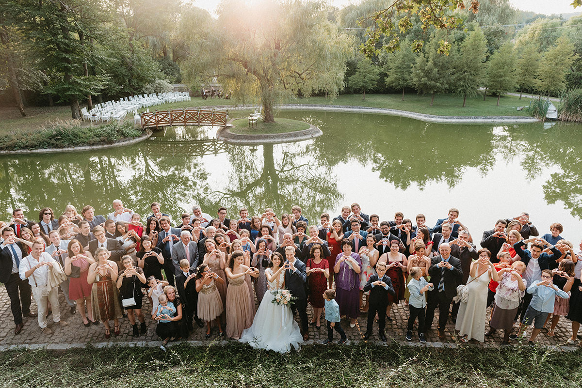 Group picture with all the guests after the wedding ceremony is a must