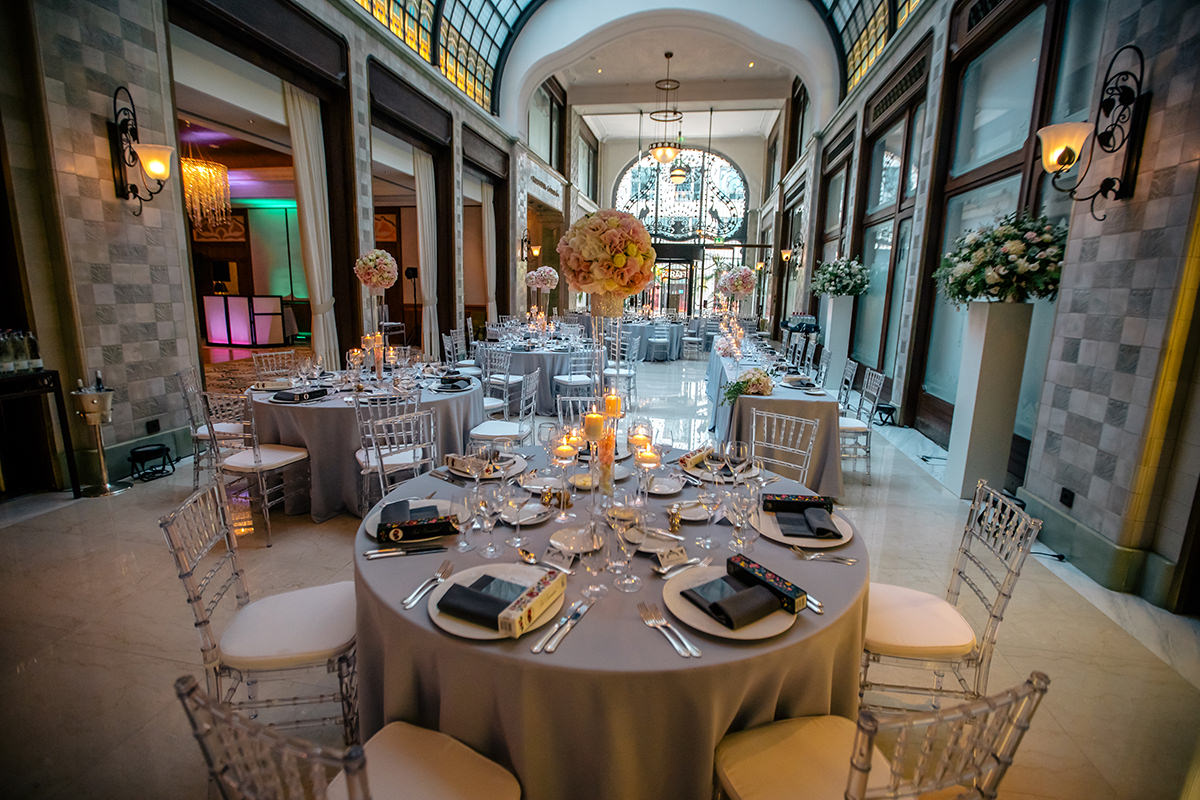 Silver decoration with transparent chiavari chairs in the Four Seasons Hotel, Gresham Palace