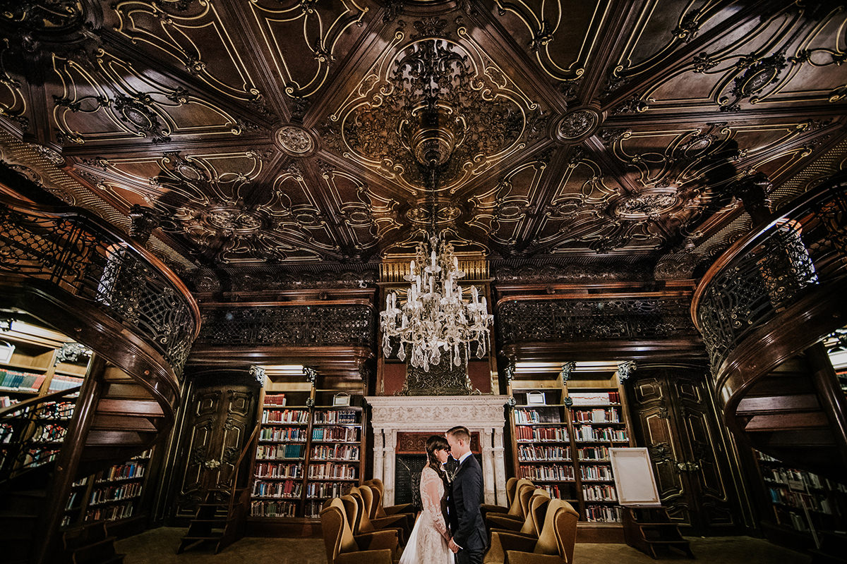 This excellent couple picture was taking place in one of the most beautiful reading rooms of the Szabo Ervin library, in the Wenckheim Palace