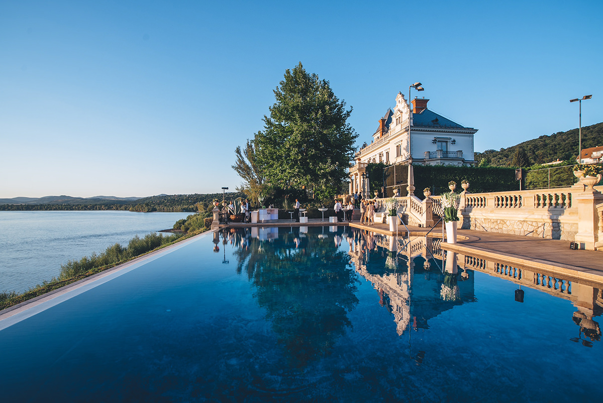 The Dory Villa sets by the River Danube overlooking the amazing Danube Bend which is about 1 hour drive from the capital. It looks like a Tuscan villa and not comparable to any other villas in Hungary.